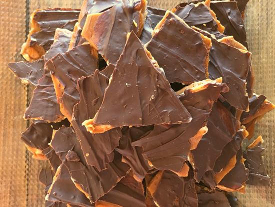 10-Minute Chocolate Almond Toffee