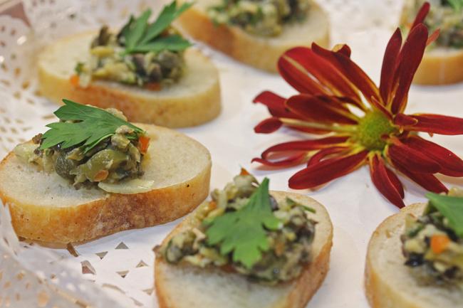 5-minute Artichoke Olive Tapenade recipe at FreshFoodinaFlash.com
